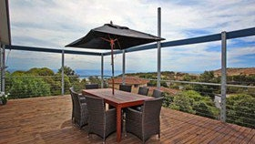 Coral Sands Seaview Beach House - Accommodation in Brisbane