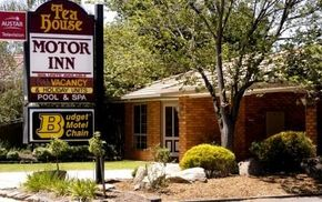 Tea House Motor Inn