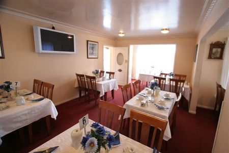 Blue  White Lodge - Accommodation in Brisbane