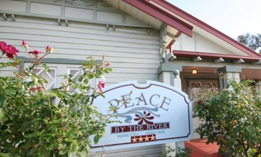 Peace By The River Homestay - Accommodation in Brisbane