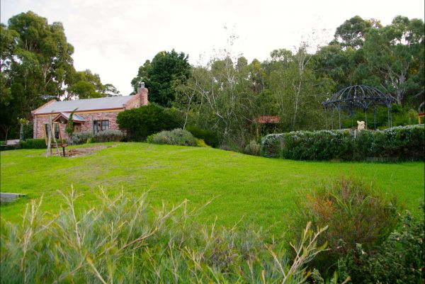 Pear Tree Hollow - Accommodation in Brisbane