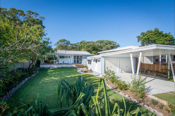 Back Beach Bungalow - Accommodation in Brisbane