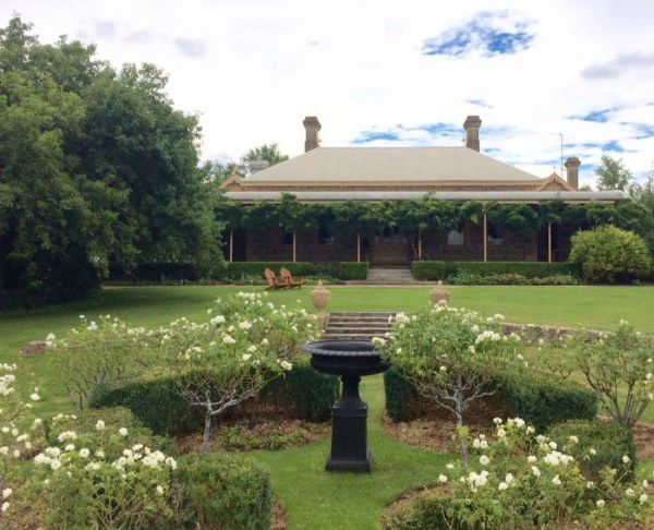 Clifton House and Gardens Farm Stay Accommodation - Accommodation in Brisbane