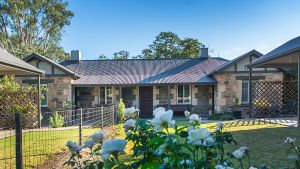 Stoneleigh Cottage Bed and Breakfast - Accommodation in Brisbane