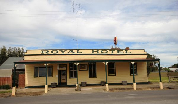 Royal Hotel Snake Valley - Accommodation in Brisbane