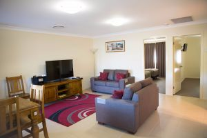 Scone Motor Inn and Apartments - Accommodation in Brisbane