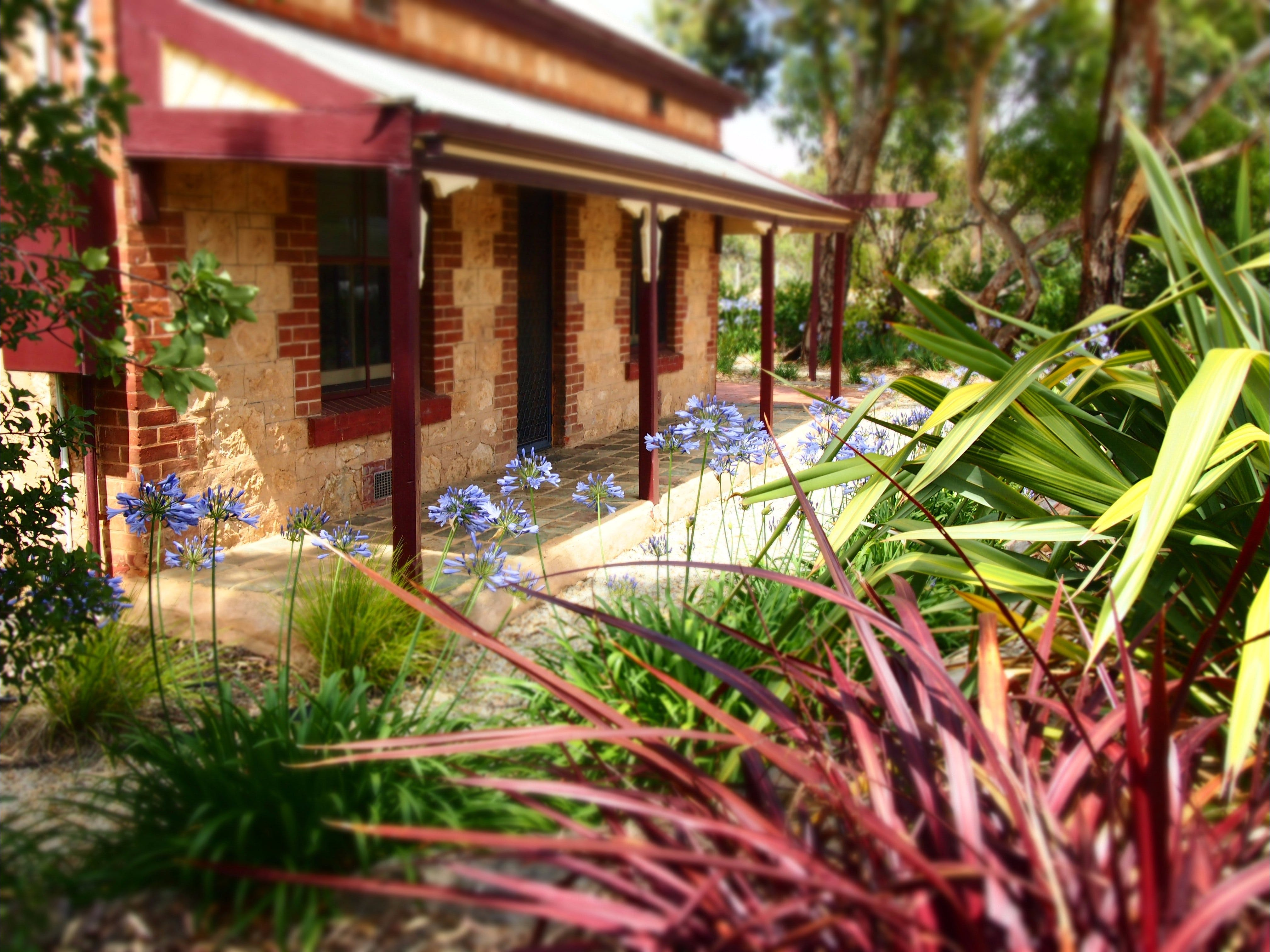 The Creek Cottage - Accommodation in Brisbane