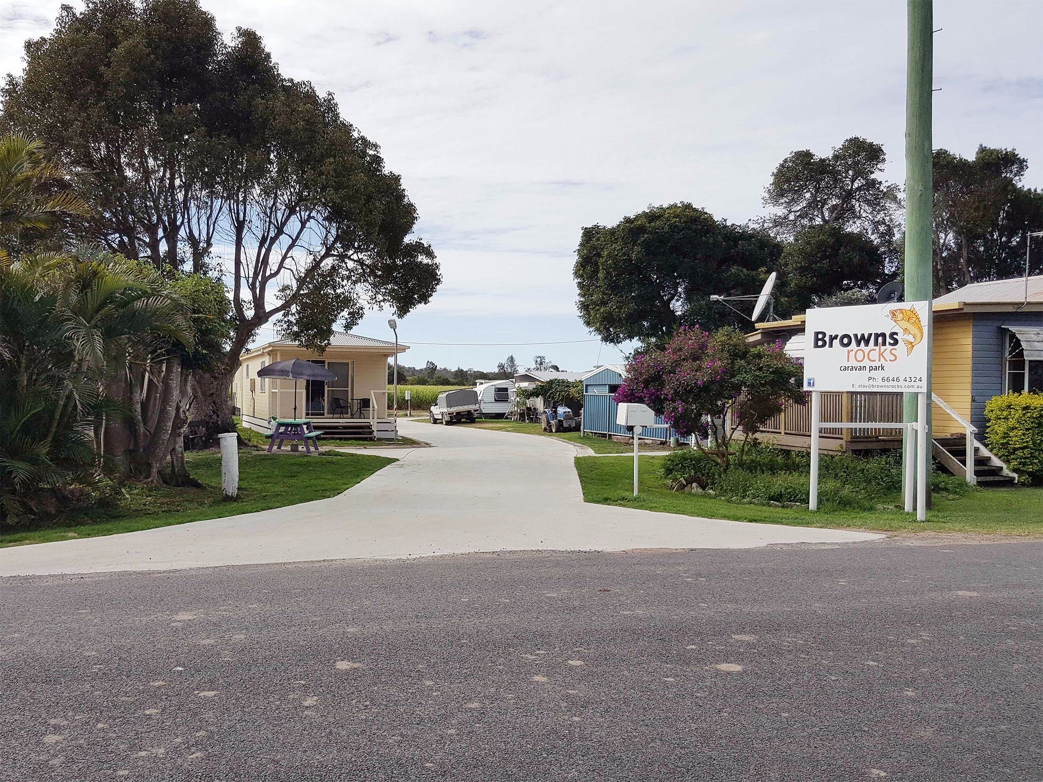 Browns Rocks Caravan Park - Accommodation in Brisbane