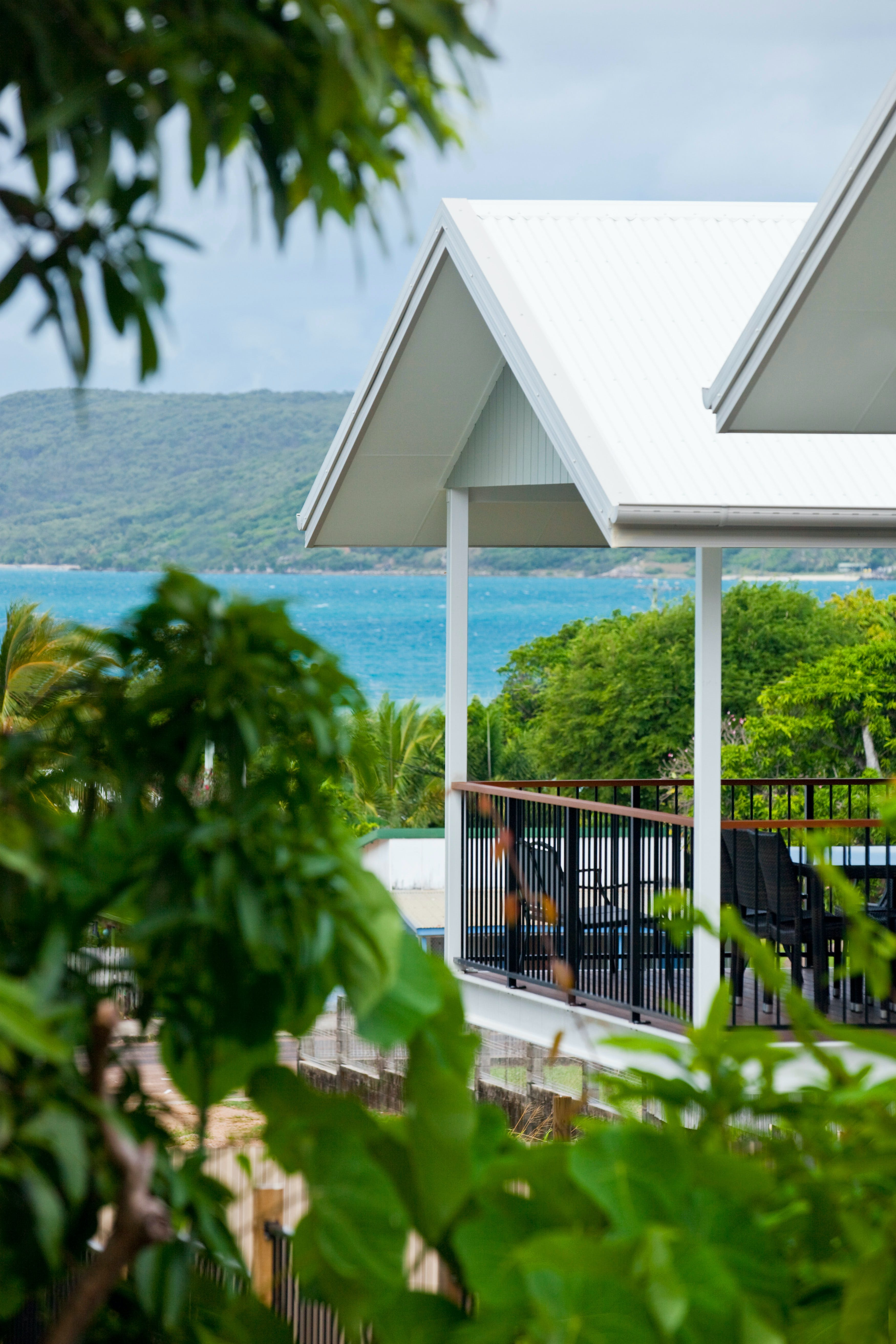 Island Villas and Apartments - Accommodation in Brisbane