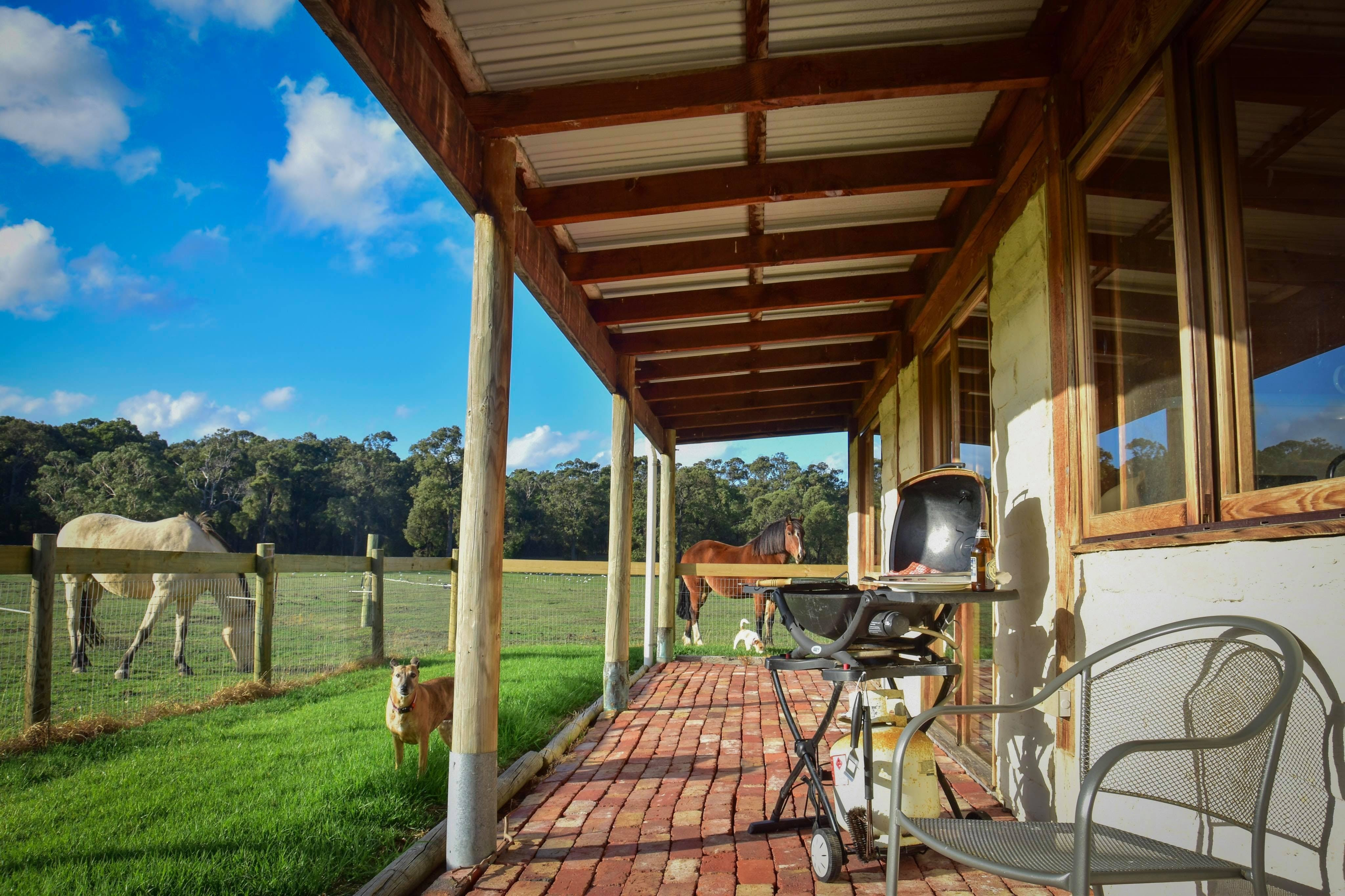 The Glen Farm Cottages - Accommodation in Brisbane