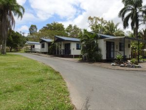Tropicana Caravan Park Sarina - Accommodation in Brisbane