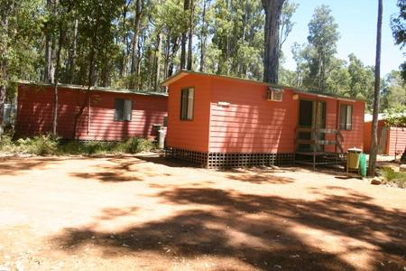 Dwellingup Chalets And Caravan Park - Accommodation in Brisbane