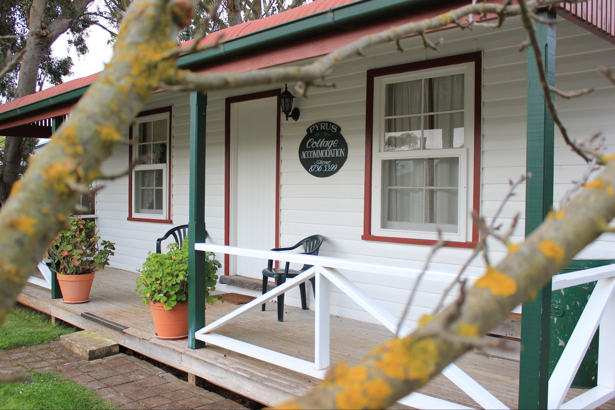Coonawarra's Pyrus Cottage - Accommodation in Brisbane