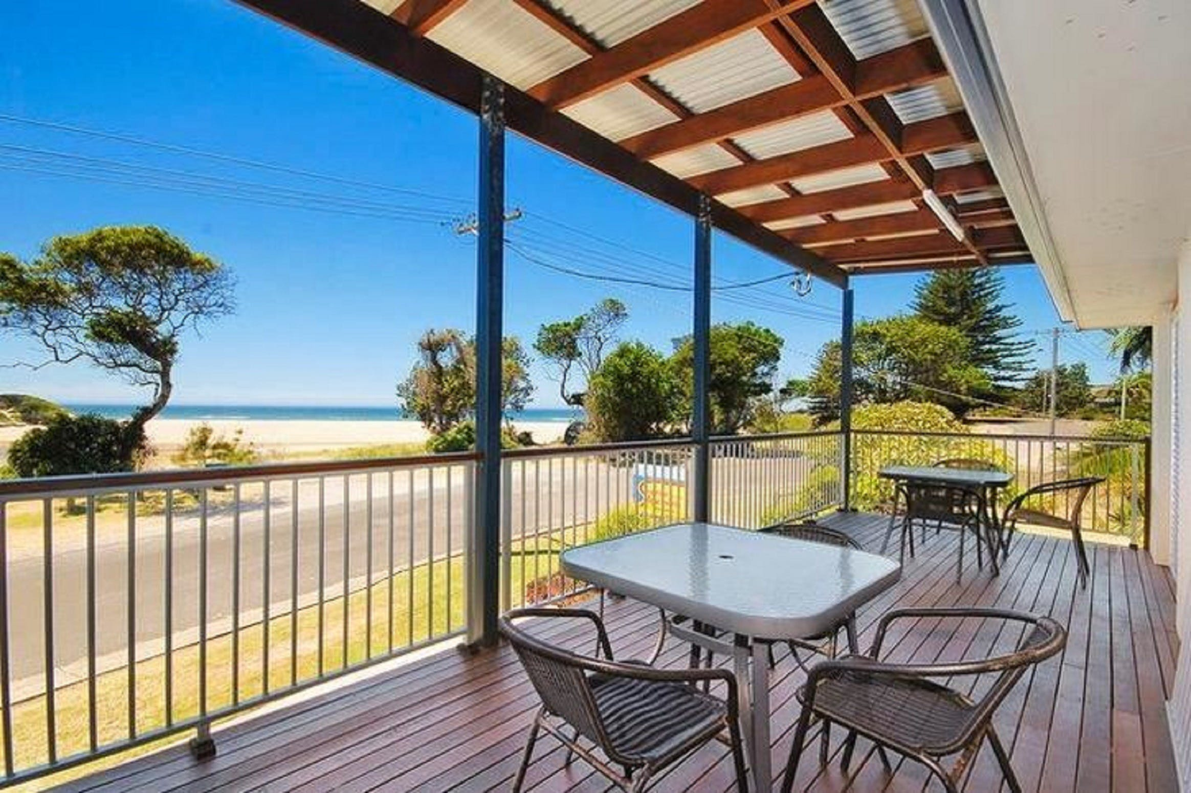 Seascape Holiday Apartments Lake Cathie - Accommodation in Brisbane