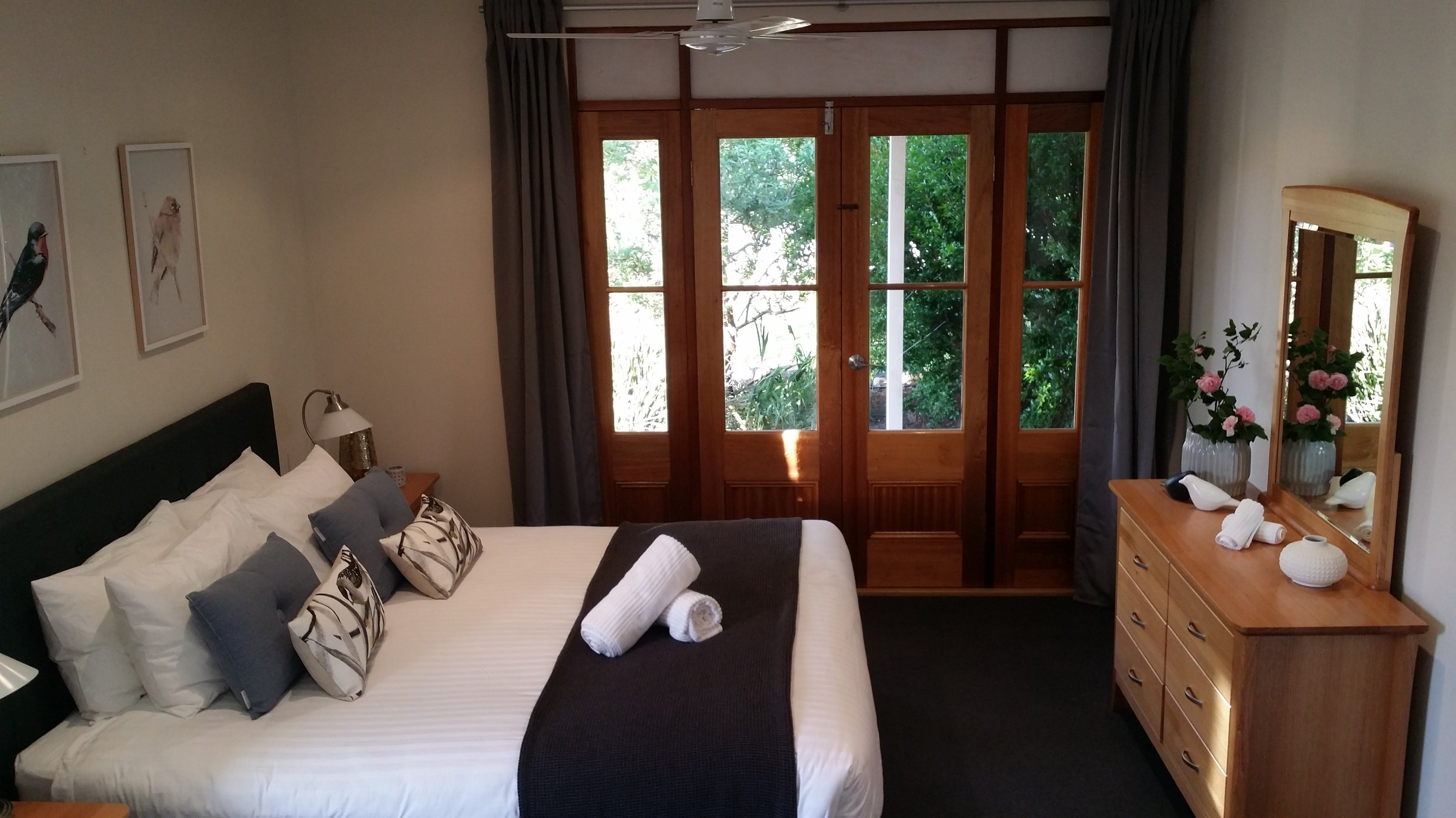 Seaside Garden Cottages - The Villa - Accommodation in Brisbane