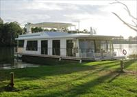 Cloud 9 Houseboats - Accommodation in Brisbane