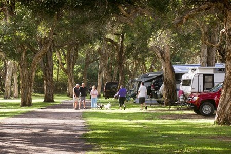 Beachfront Holiday Park - Accommodation in Brisbane