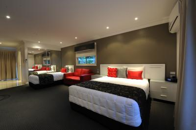 The Gateway Village Holiday Park - Accommodation in Brisbane