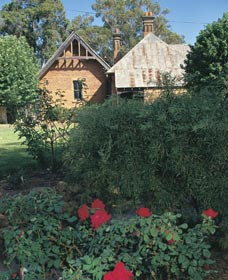 Heritage Rose Garden - Accommodation in Brisbane