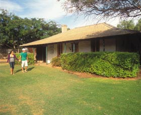 Russ Cottage - Accommodation in Brisbane