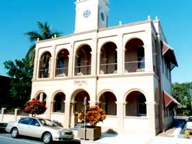 Mackay Town Hall - Accommodation in Brisbane