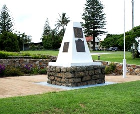 Dunwich War Memorial - Accommodation in Brisbane