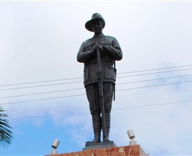 Charters Towers Memorial Cenotaph - Accommodation in Brisbane