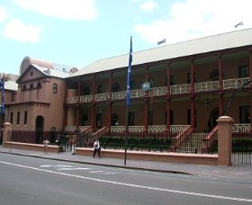 Parliament House - Accommodation in Brisbane