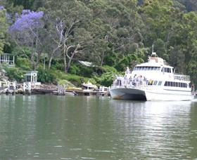 The Riverboat Postman - Accommodation in Brisbane