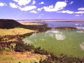 Nuga Nuga National Park and Lake Nuga Nuga