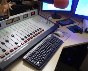 Peak Hill FM Community Radio Station - Accommodation in Brisbane