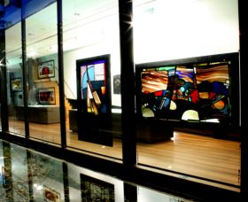 National Art Glass Collection - Accommodation in Brisbane