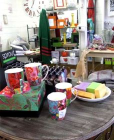 The Famous Tinonee Cafe and Gift Shop - Accommodation in Brisbane