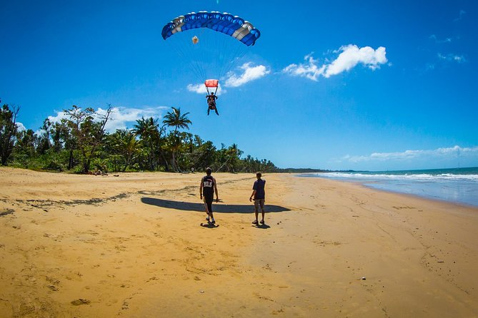 Beach Skydive from up to 15000ft over Mission Beach - Accommodation in Brisbane