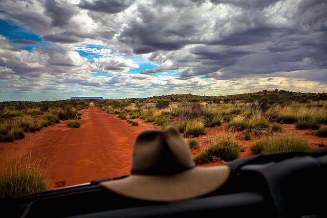 Mount Conner 4WD Small Group Tour from Ayers Rock including 3-Course Dinner - Accommodation in Brisbane