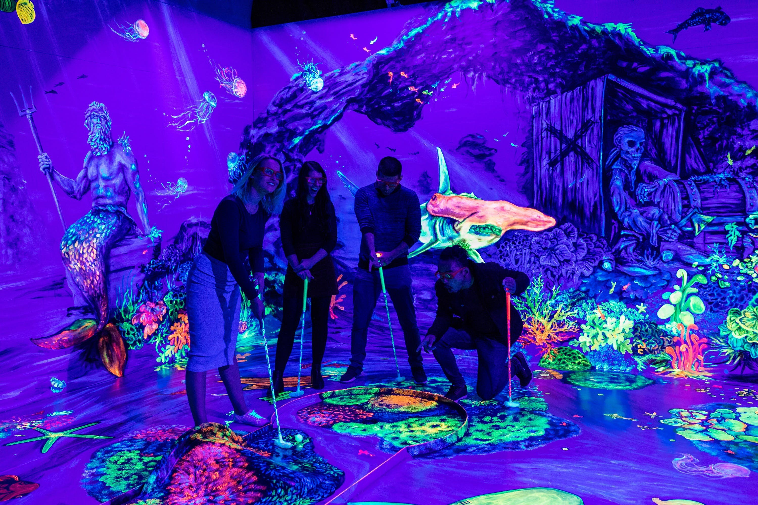 Glowing Rooms 3D Mini Golf - Accommodation in Brisbane