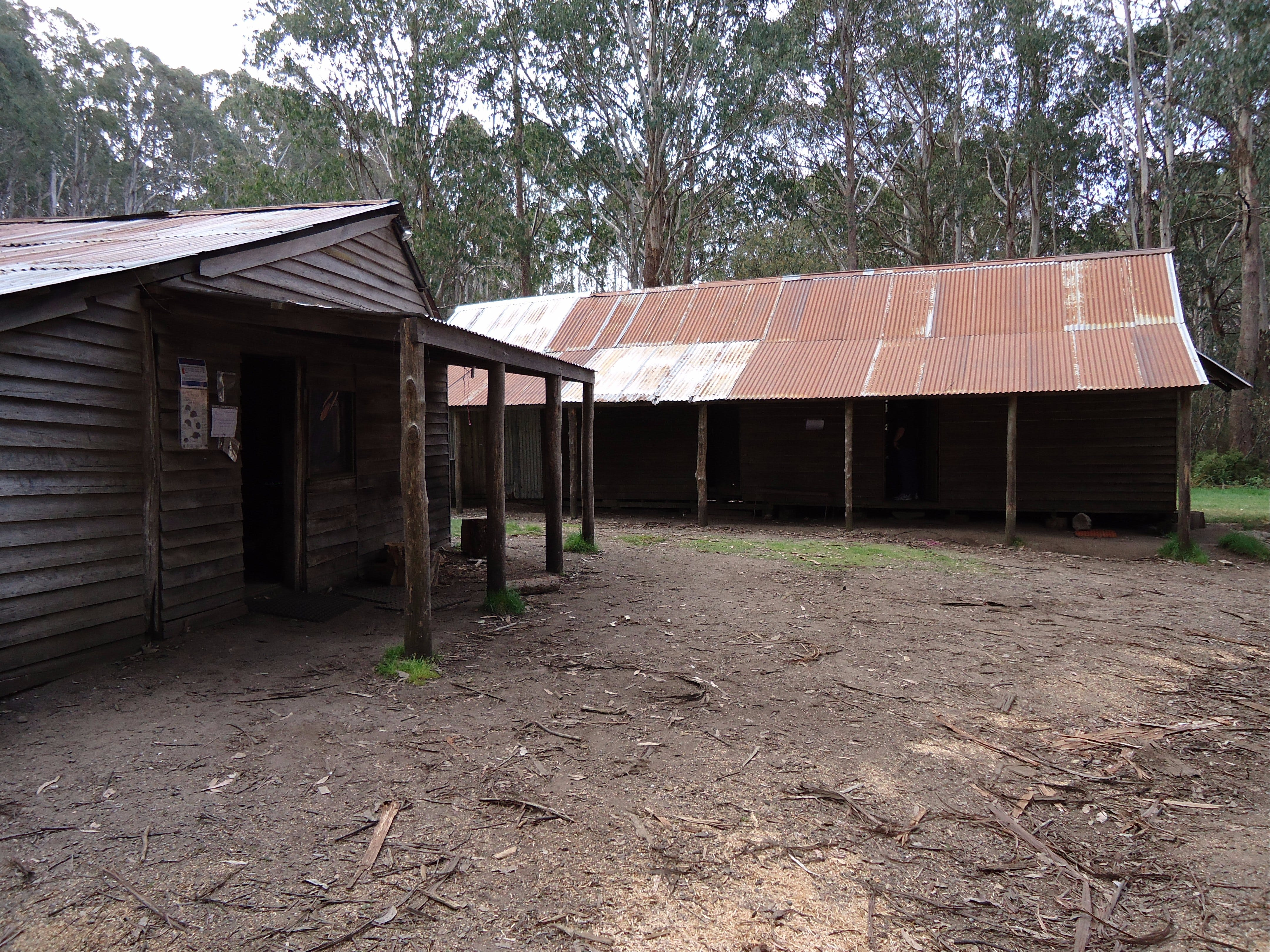 Razorback Hut - Accommodation in Brisbane