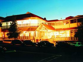 Loxton Community Hotel Motel - Accommodation in Brisbane