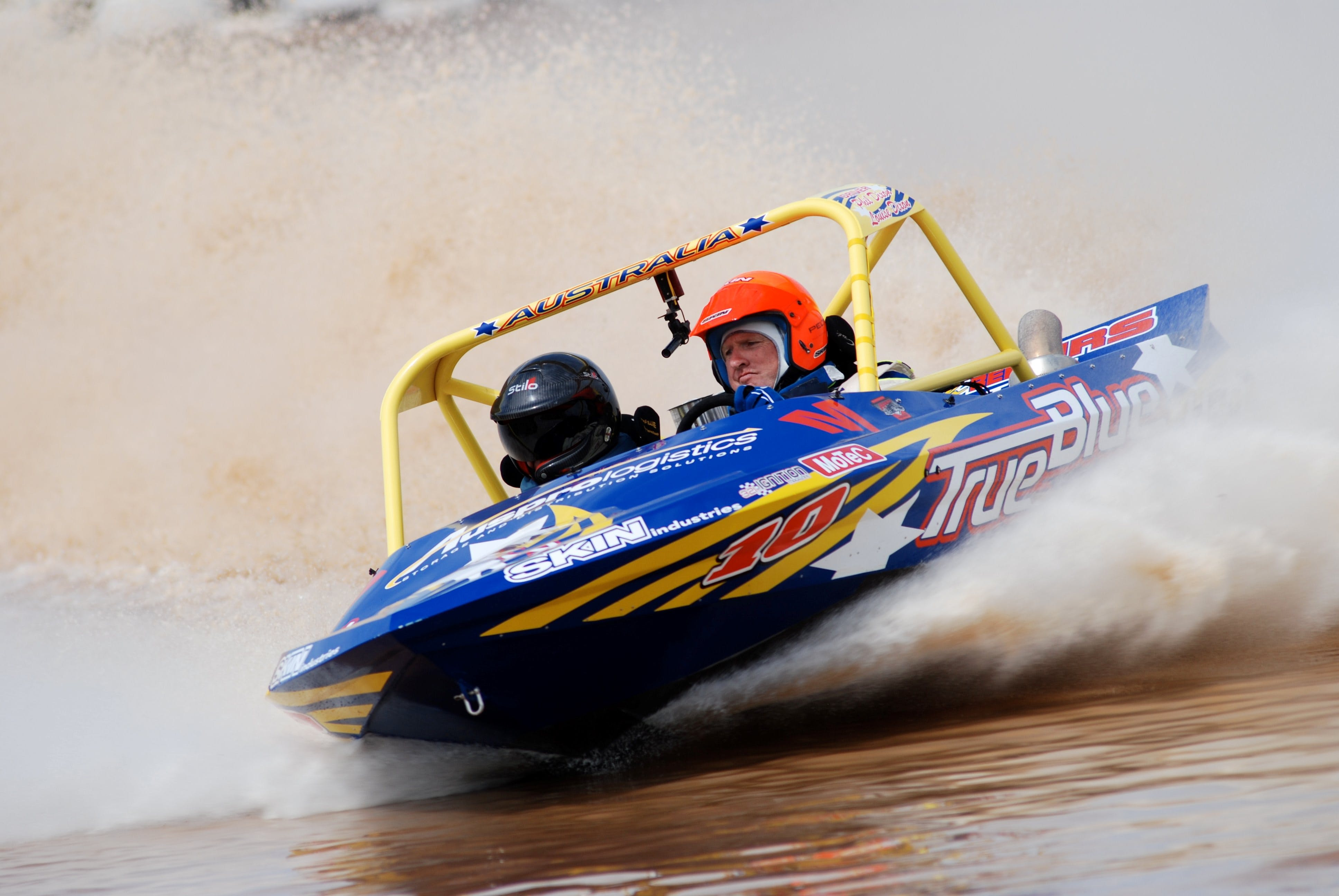 V8 Superboats - Accommodation in Brisbane