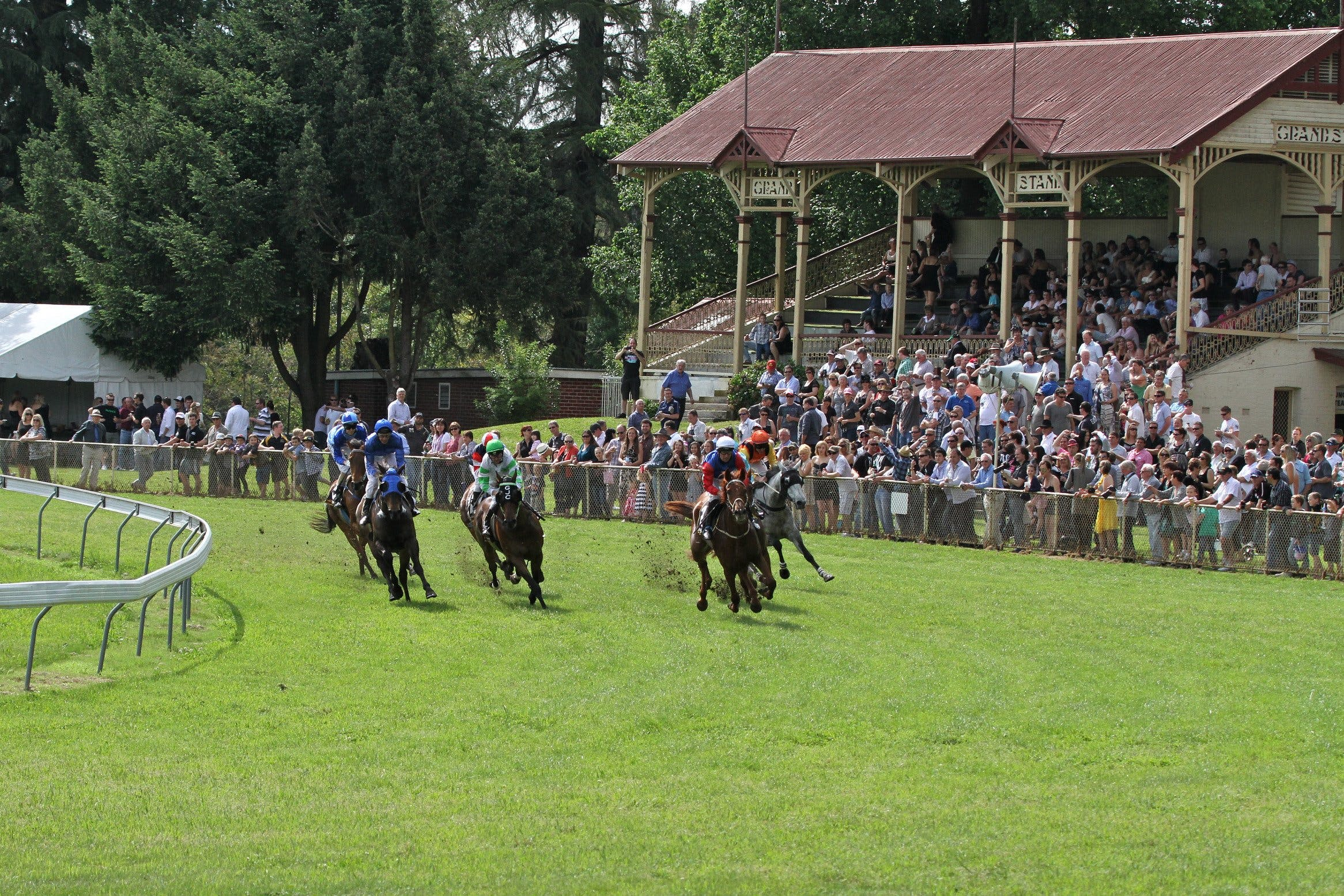 Tumut Boxing Day Races - Accommodation in Brisbane