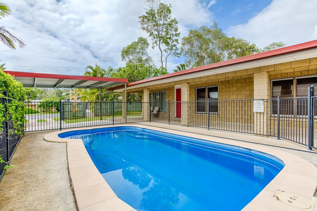14 Double Island Drive - Rainbow Beach Large Holiday House with PoolPets Welcome Free Wi-Fi Rainbow Beach