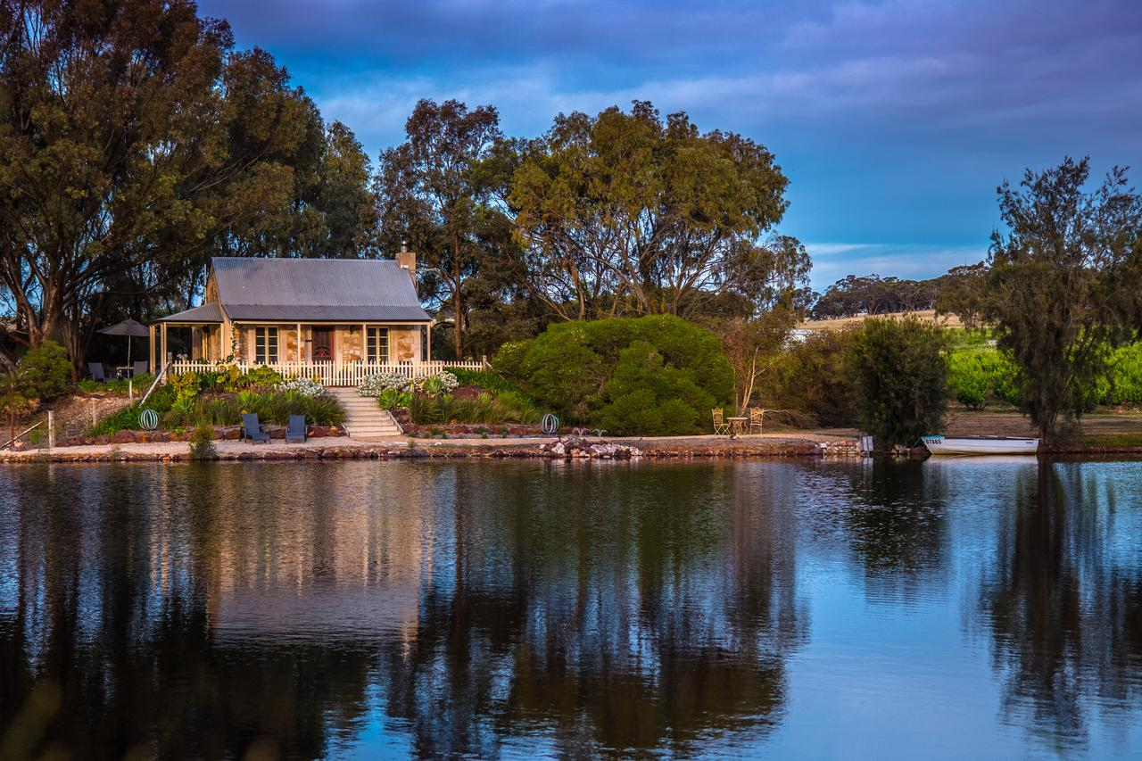 Stonewell Cottages and Vineyards - Accommodation in Brisbane