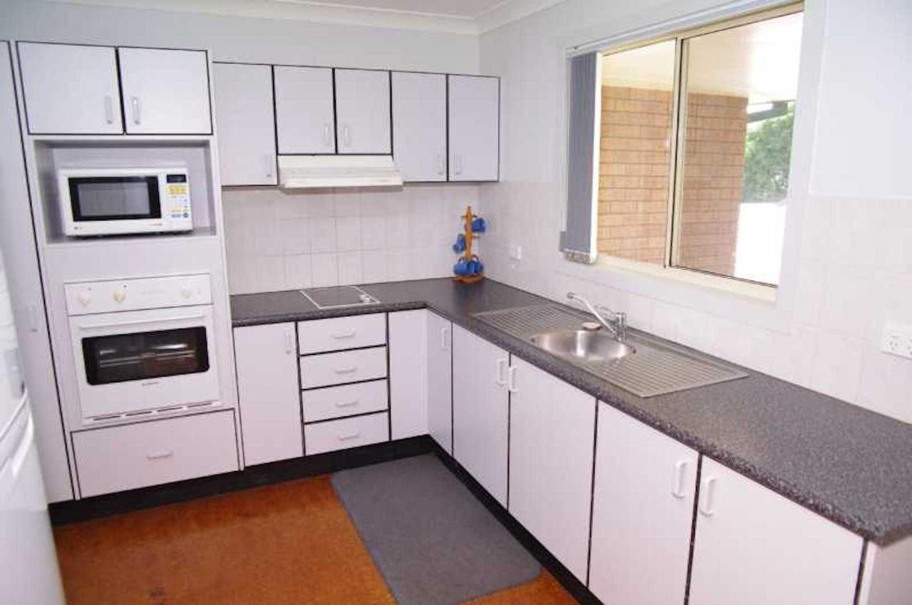 Bellhaven 1 17 Willow Street - Accommodation in Brisbane
