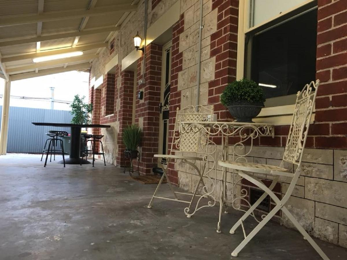 Two Cow Cottage Bed  Breakfast - Accommodation in Brisbane