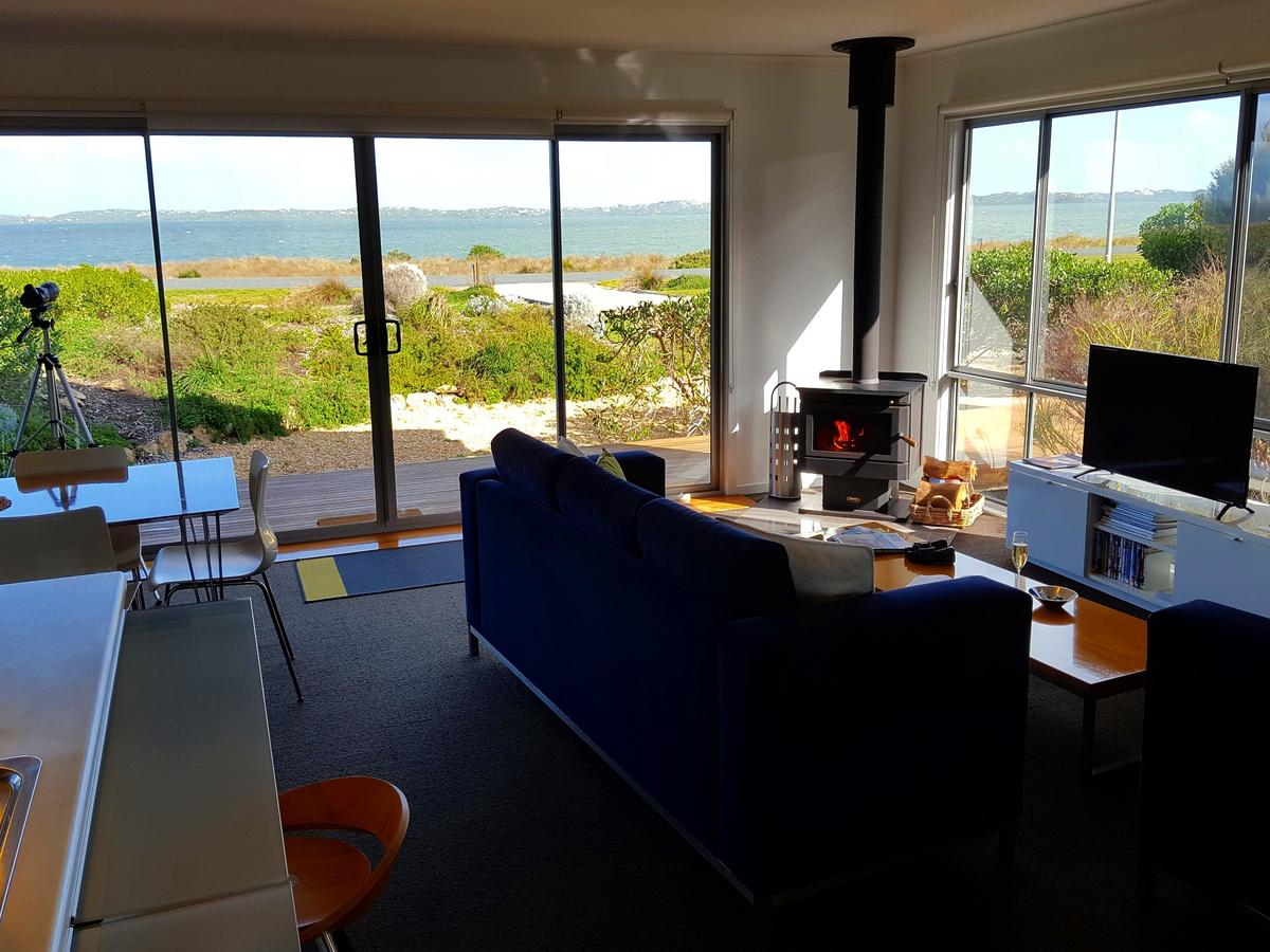Coorong Waterfront Retreat - Accommodation in Brisbane