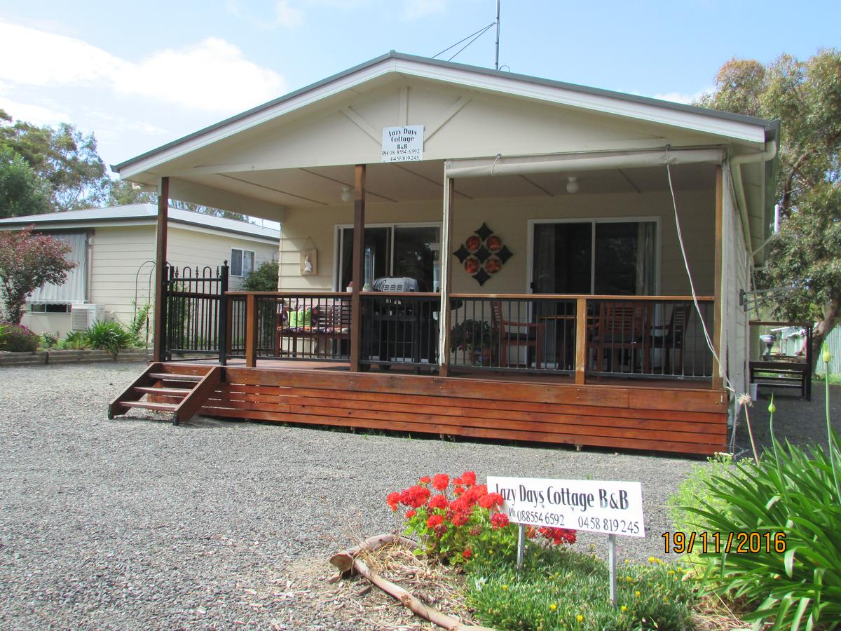 Lazy Days Bed Breakfast Cottage - Victor Harbor - Accommodation in Brisbane