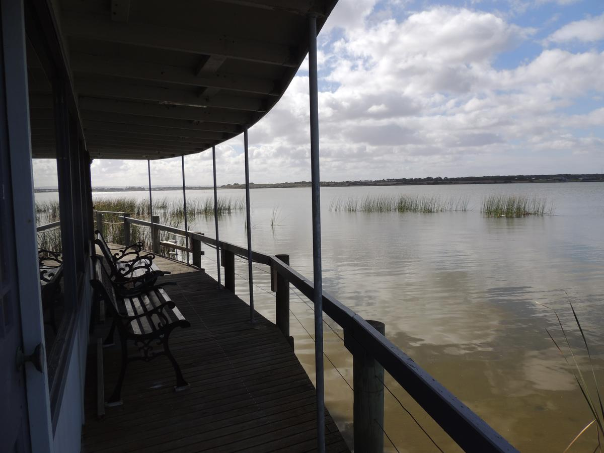 PS Federal Retreat Paddle Steamer Goolwa - Accommodation in Brisbane