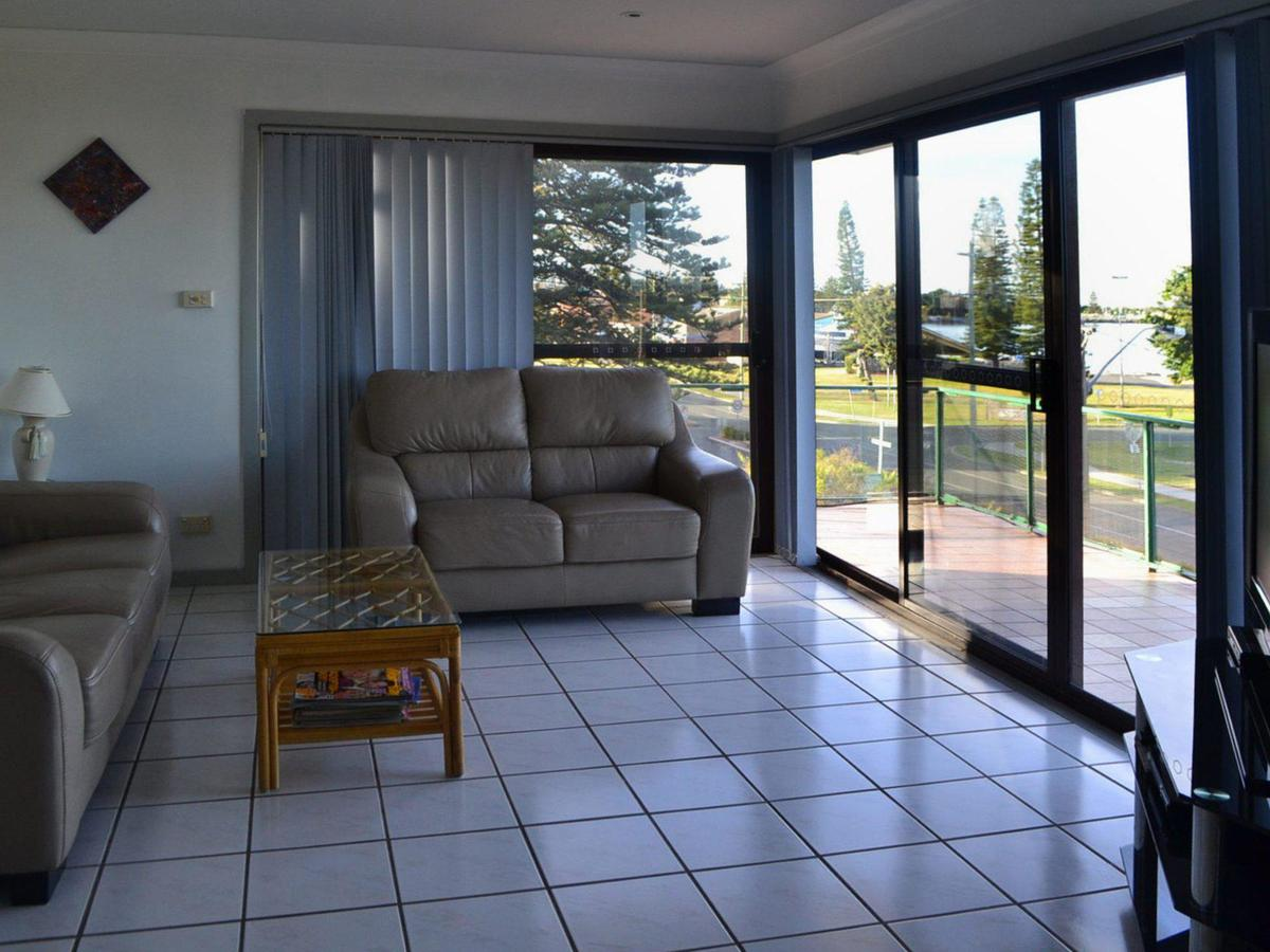Oxley 8 at Tuncurry - Accommodation in Brisbane