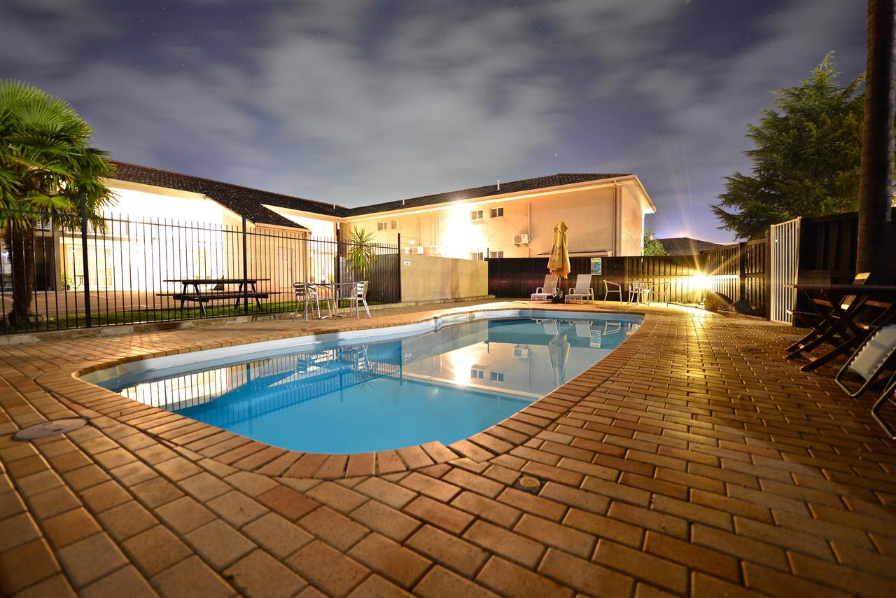 Winning Post Motor Inn - Accommodation in Brisbane