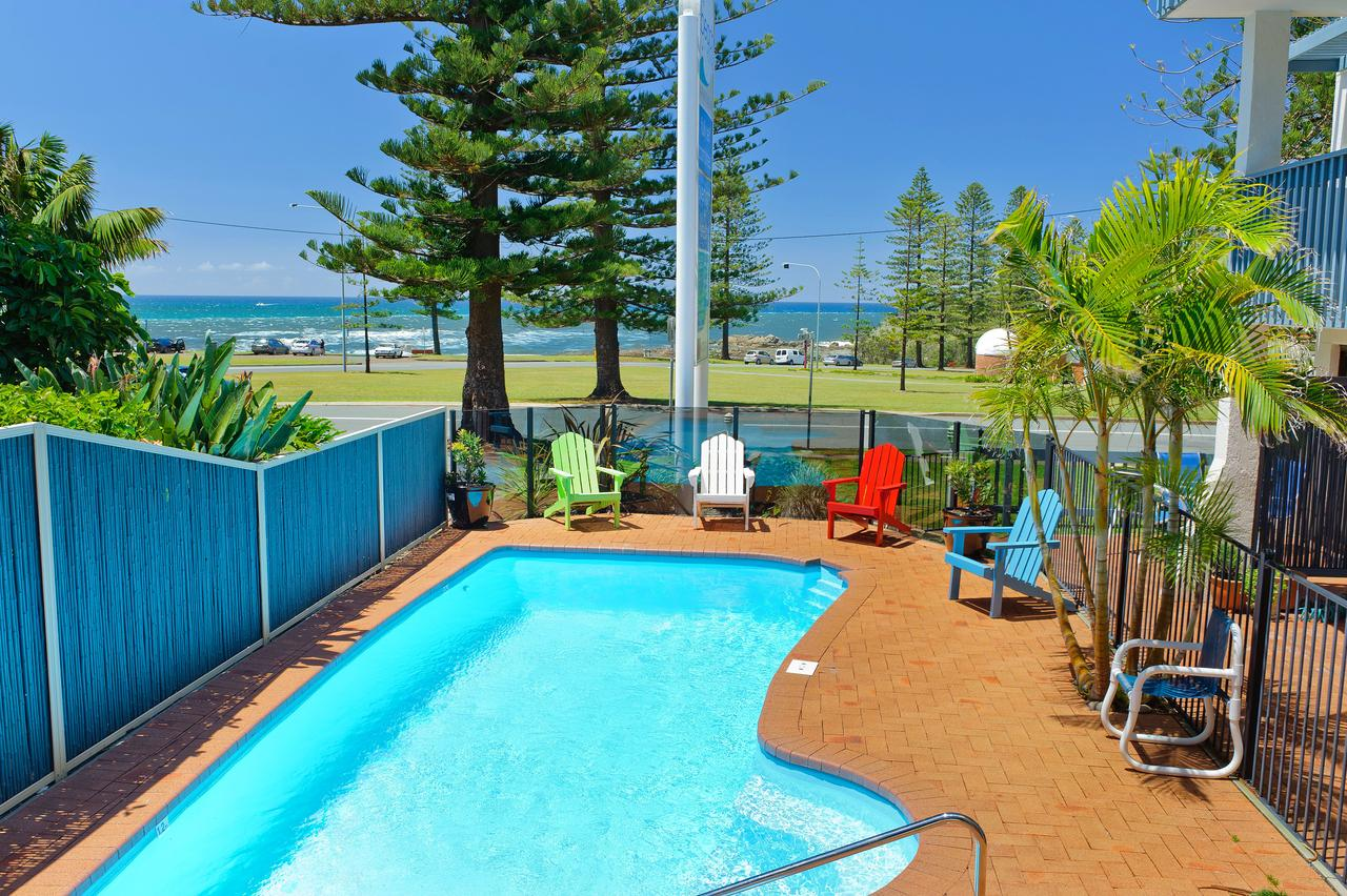 Beach House Holiday Apartments - Accommodation in Brisbane